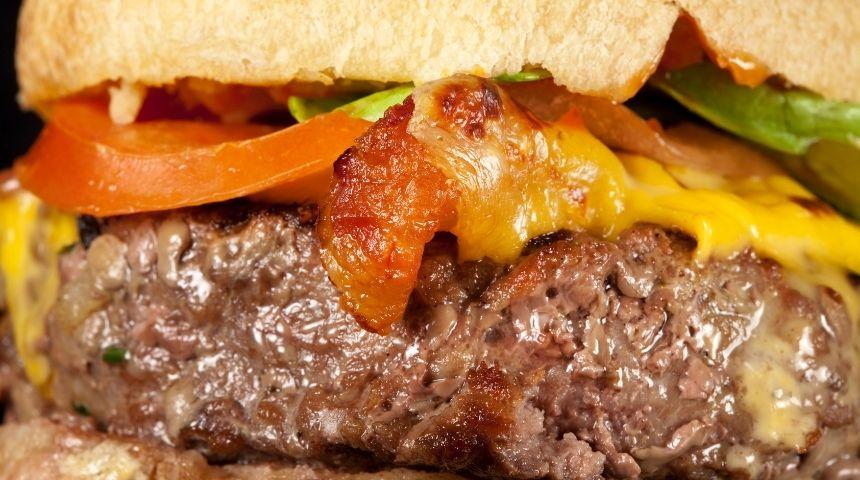 ljs par and grill Bacon Cheeseburger