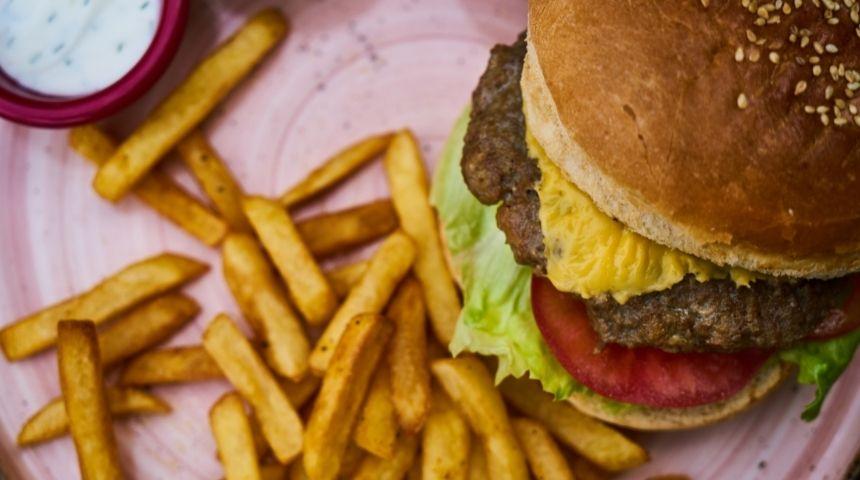 ljs par and grill Mushroom American Burger