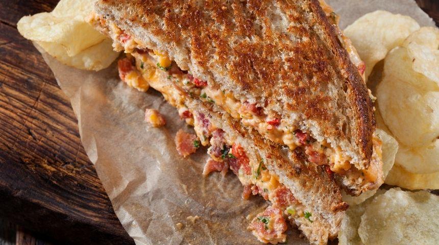 ljs par and grill Pimento Cheese Sandwich