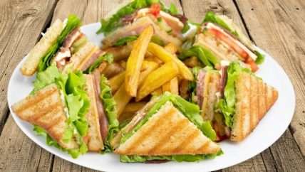 ljs par and grill hole in one club sandwich